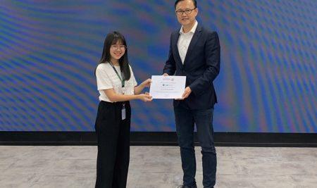 """ภาควิชาเศรษฐศาสตร์ ขอแสดงความยินดีกับ นางสาวสุวีรยา   บุญชู  นิสิตชั้นปีที่ 4   ได้รับรางวัลชนะเลิศ จากการแข่งขันภายใต้โครงการ """"K Capstone Internship 2019"""" จัดโดย ธนาคารกสิกรไทย   ระหว่างวันที่ 4 มิถุนายน – 26 กรกฎาคม 2562"""